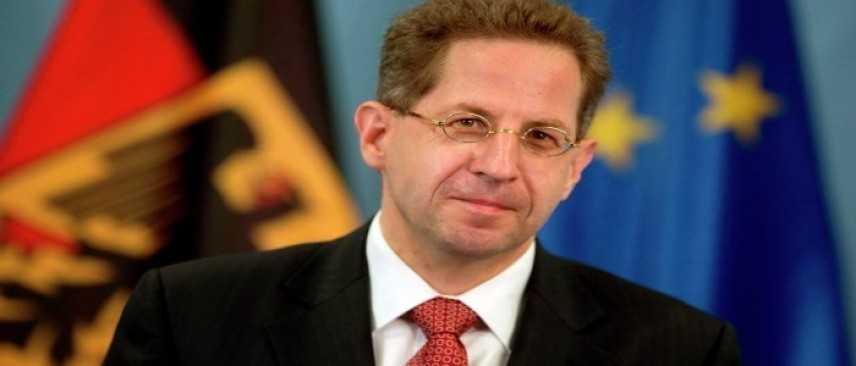 Il capo dell'intelligence tedesca incolpato di favorire l'estrema destra.