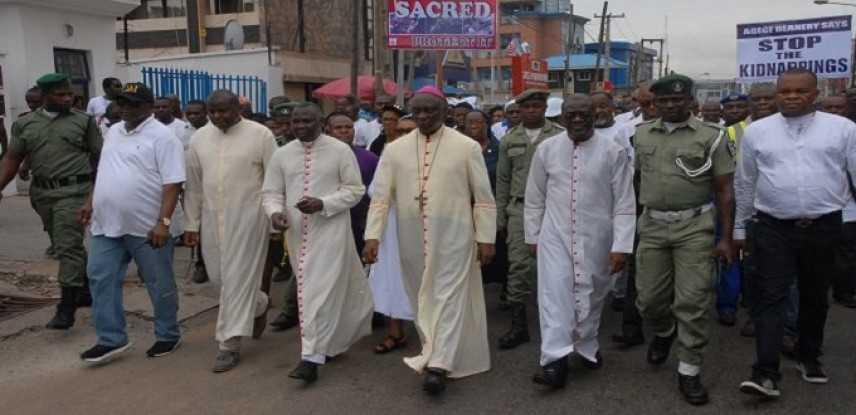Nigeria, uomini armati uccidono un sacerdote cattolico