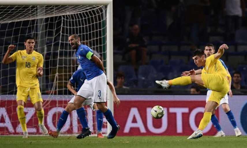 Calcio, l'Italia non sa più vincere: a Genova è 1-1 con l'Ucraina