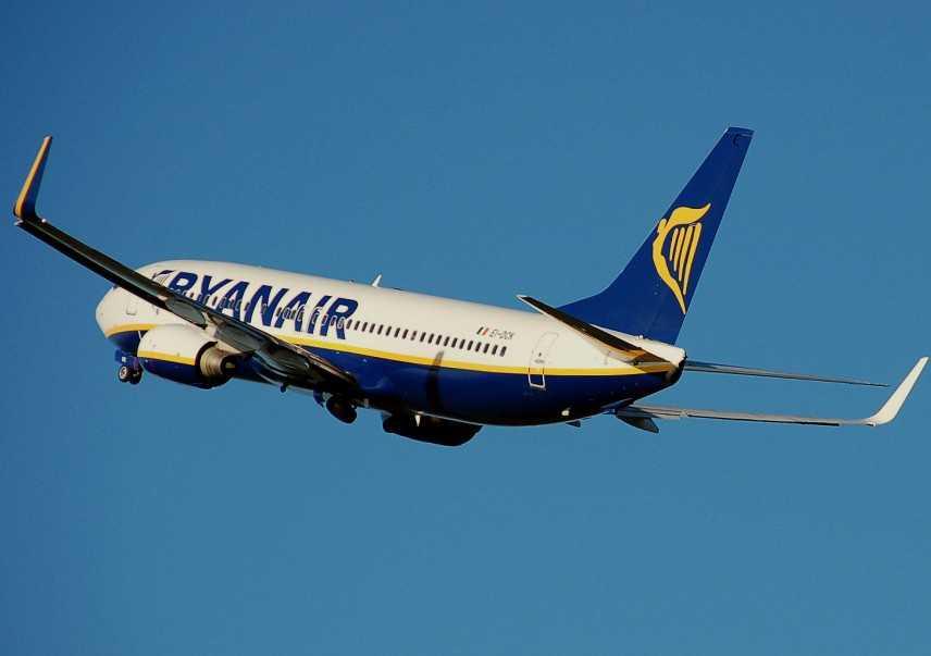 """Ryanair: chiude base Alghero """"Notizia comunicata ai 35 dipendenti che operano nello scalo"""""""