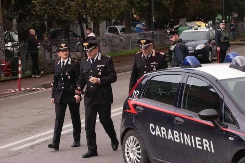 Reggio Emilia: condannato si barrica in ufficio postale con 5 ostaggi