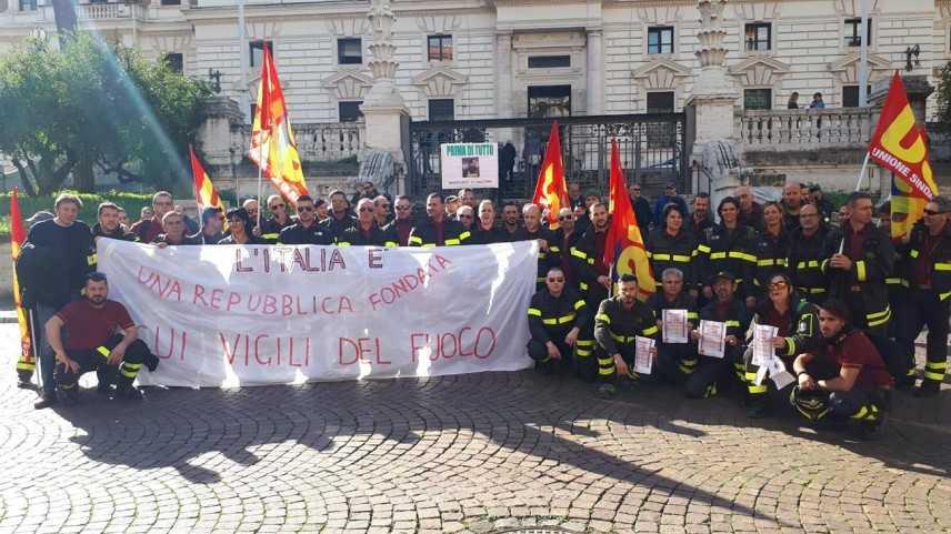 USB VV.F. Calabria: I precari dei Vigili del fuoco oggi hanno vinto e solo la lotta paga