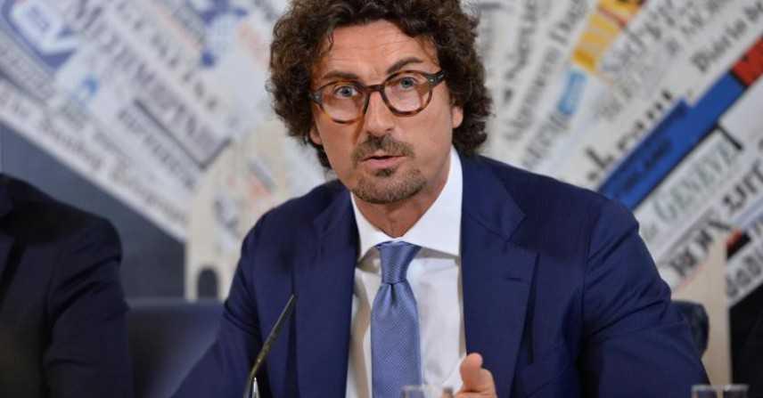 Governo: Toninelli, rimpasto? Vado avanti, con Lega vale contratto