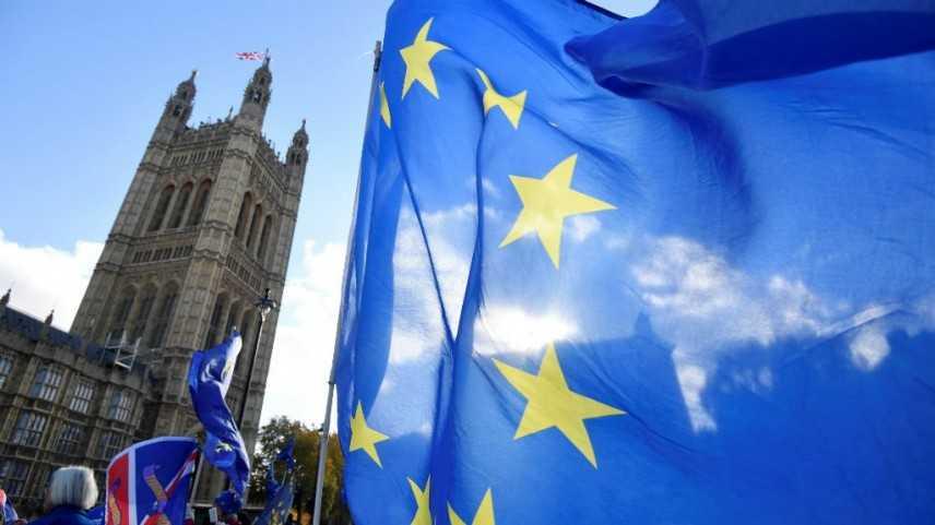Accordo Regno Unito-UE, si dimette il ministro britannico per la Brexit