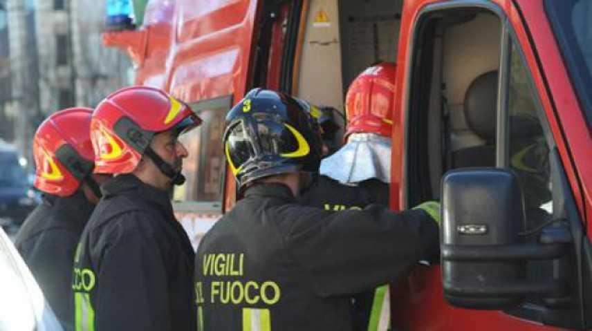Rogo all'ospedale Cardarelli di Napoli intervento dei VVF