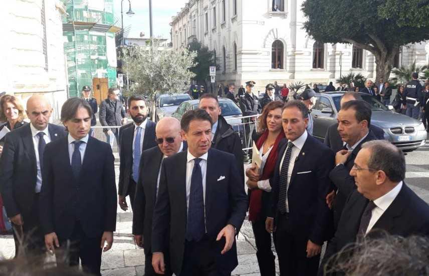 Governo: Conte in prefettura a Reggio Calabria