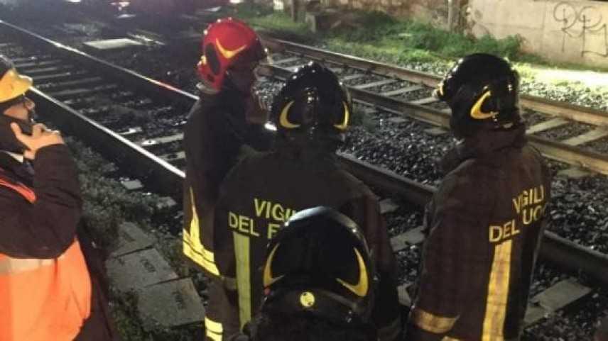 Treno merci urta piattaforma a Firenze, feriti 3 operai