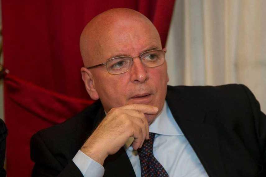 Calabria, obbligo di dimora per il governatore Mario Oliviero