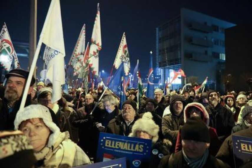 """Ungheria, sindacati contro """"legge schiavitù"""""""
