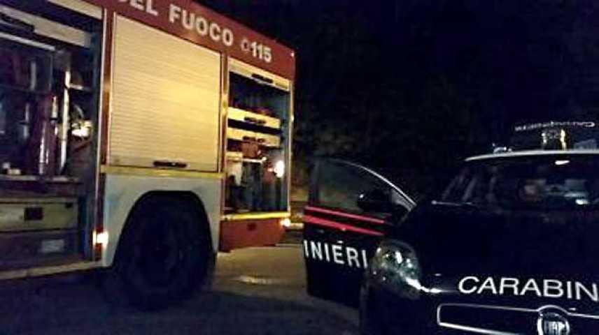 Incendio. tragedia sfiorata a Carmagnola: tre bimbi salvati dai carabinieri da incendio