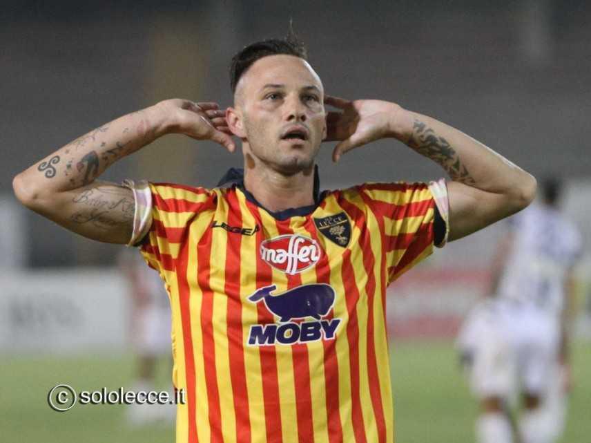 CalcioMercato: Un nuovo attaccante per i Giallorossi, Catanzaro vicino Di Piazza
