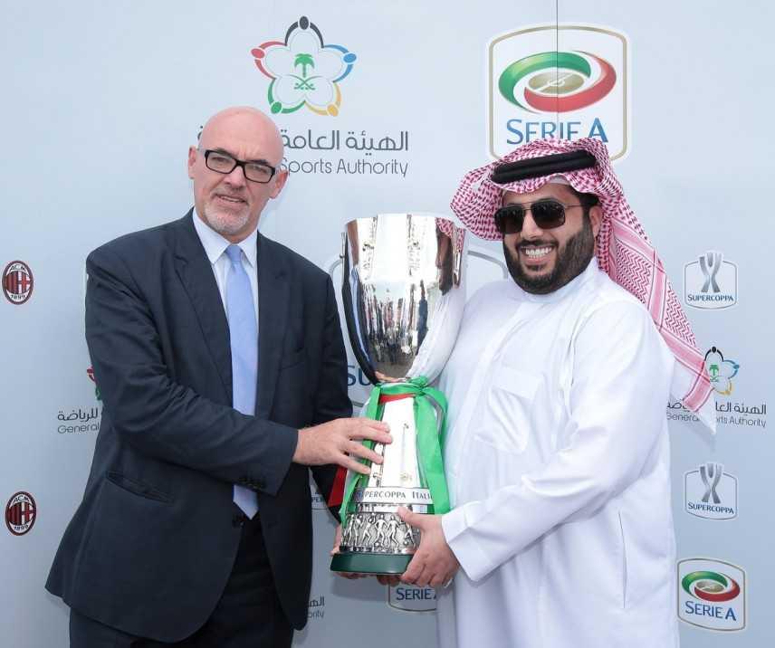 Supercoppa Italiana in Arabia Saudita, donne ammesse solo se accompagnate: scoppia polemica