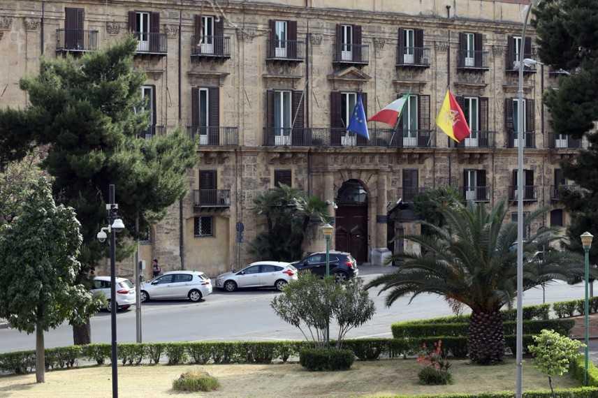 Truffa a Regione Sicilia, Gdf sequestra 11,3 mln