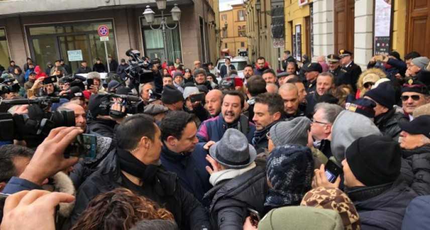 """Salvini a Chieti: """"Per me la polemica non esiste"""""""