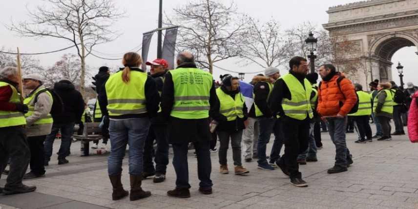 Di Maio e Salvini sostengono il supporto per i gilet gialli francesi