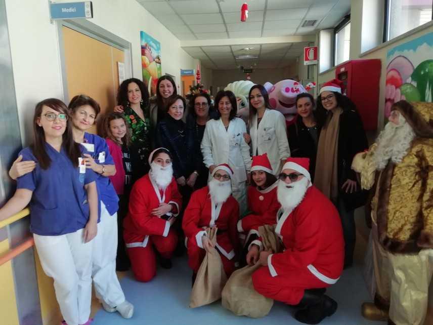 AMMI, porta gioia al reparto di Pediatria dell'ospedale Pugliese di Catanzaro