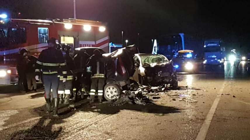 Incidenti stradali: SS16 tre le automobili coinvolte due morti e un ferito a San Severo