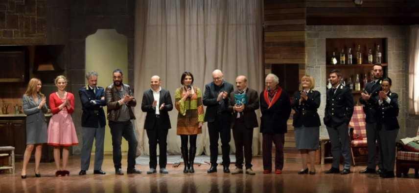 Colpo di scena, Carlo Buccirosso conquista il teatro Comunale di Catanzaro