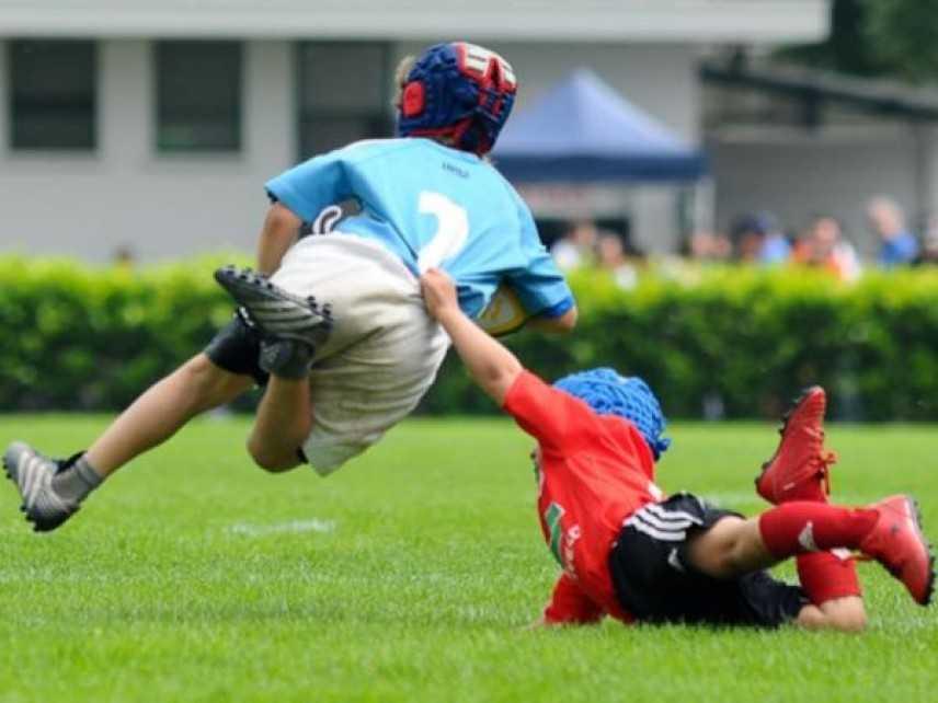 Baby rugbista di 10anni, perde sensi durante partita di rugby poi si riprende