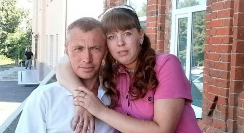 Russia, marito critica la cena e lei lo uccide con 35 coltellate davanti alla figlia di 4 anni