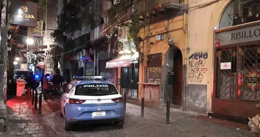 Pizzeria Sorbillo chiusa per bomba