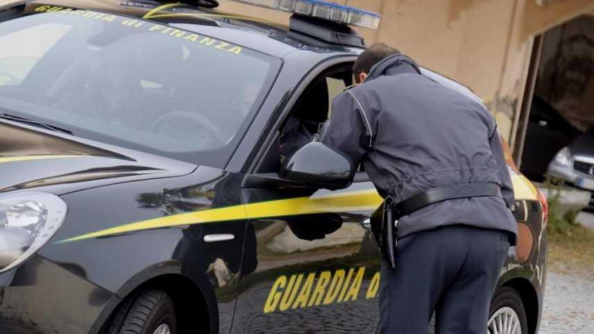 Droga: 644 kg coca tra sacchi caffè, maxi sequestro Gdf Livorno