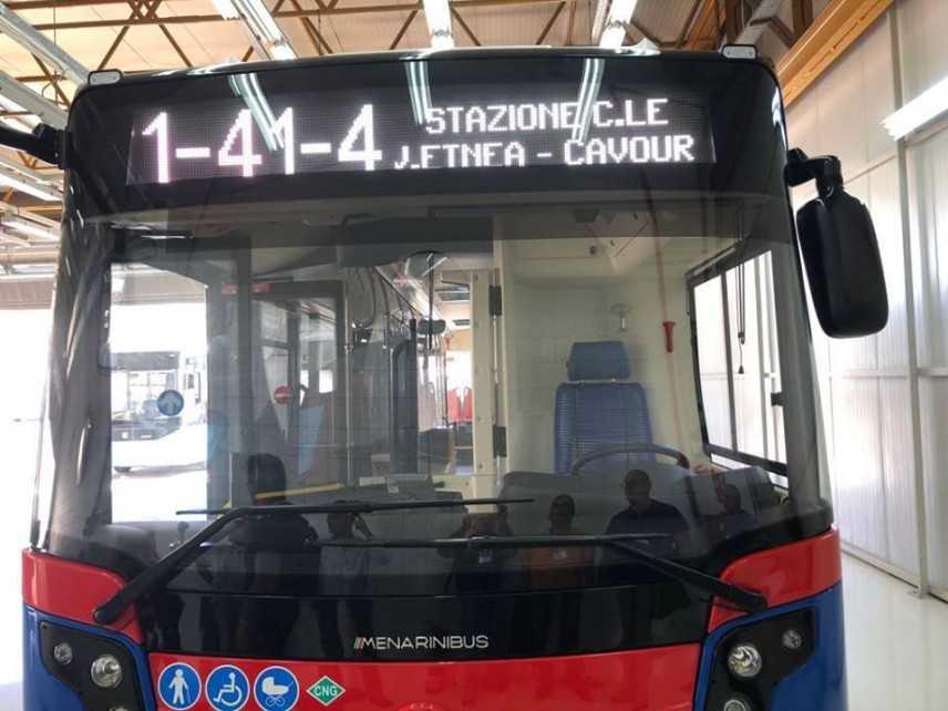 Insegue bus per mancata precedenza, ferito conducente Amt