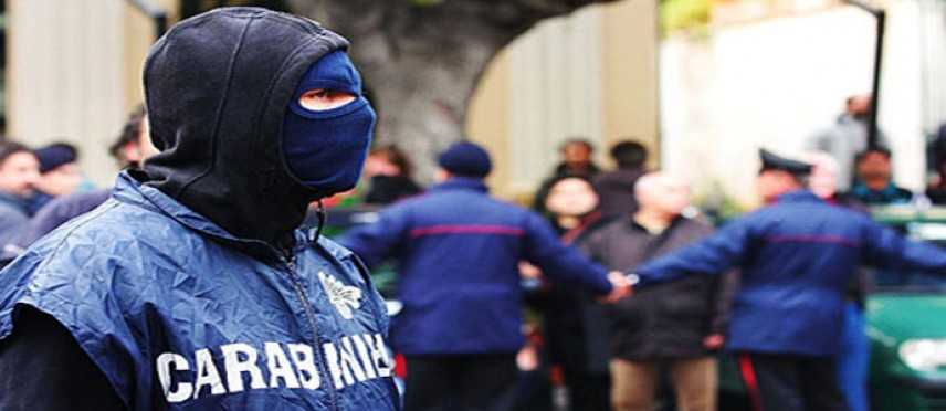 Mafia: sgominata cosca nissena, 17 arresti; luce su omicidi e pizzo