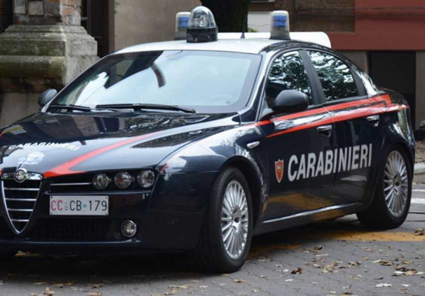 Armi e ricette mediche in bianco sequestrate a Napoli
