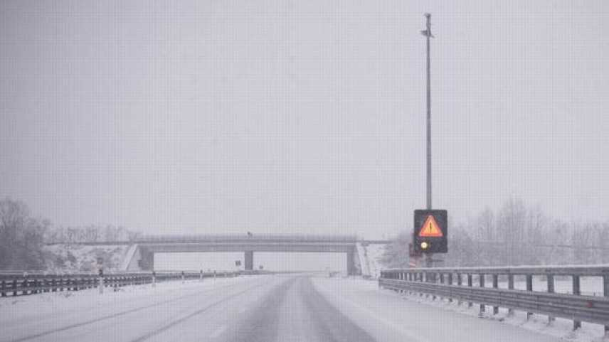 """Caos neve in Alto Adige: """"fermi in A22 da 12 ore"""" """"Non si è visto un lampeggiante"""""""