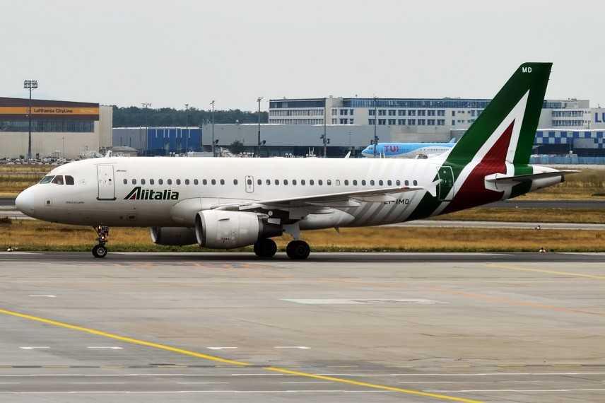 Lufthansa lancia l'allarme Alitalia: stop agli indugi o non ne rimarrà più nulla