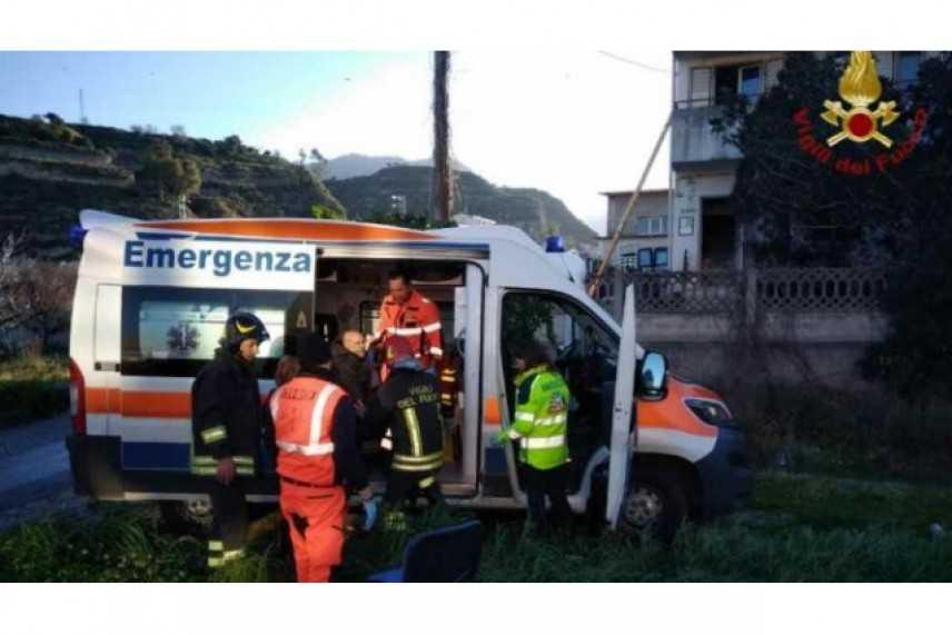 Incendio in casa di riposo New Gardenia, anziani intossicati in Calabria