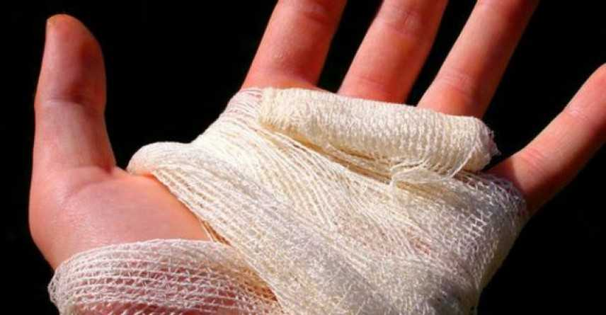 Pistoia, donna ubriaca prende a morsi le mani di un carabiniere: arrestata