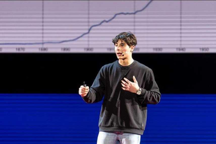 """""""La profezia dell'adolescenza"""". La formula di Riccardo Camarda (16 anni) verso il cambiamento"""