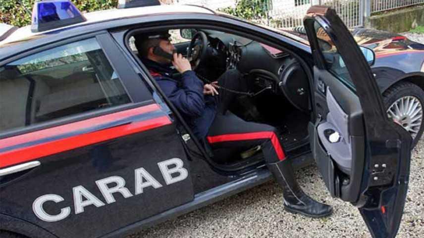 Pistoia, donna di 42 anni picchia anziana in strada: arrestata