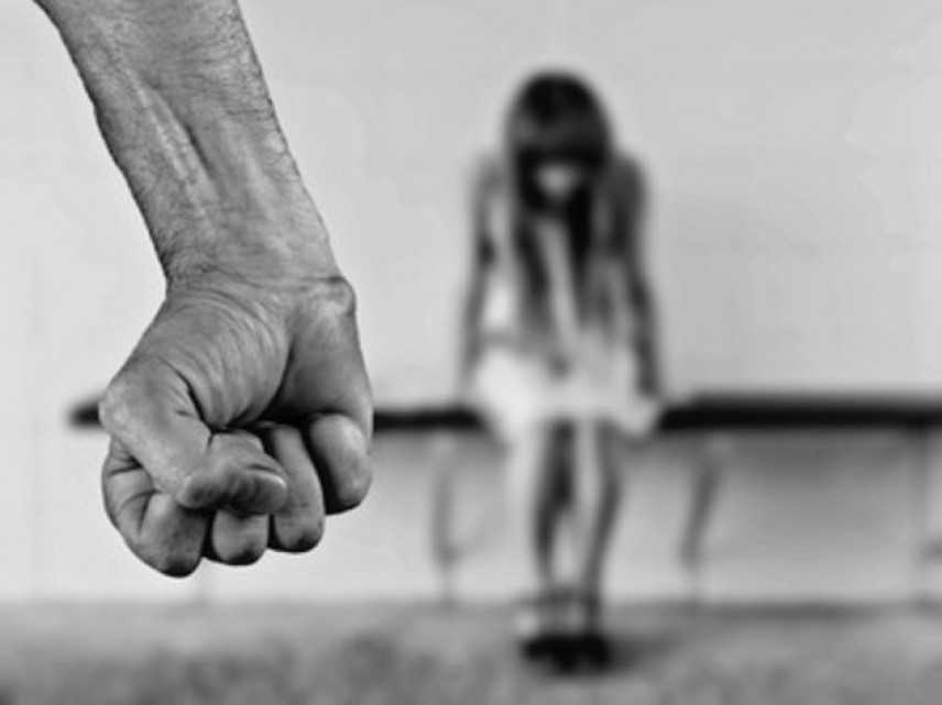 """Femminicidio: proposta M5s, aggravanti anche senza convivenza """"Aumento pene"""""""