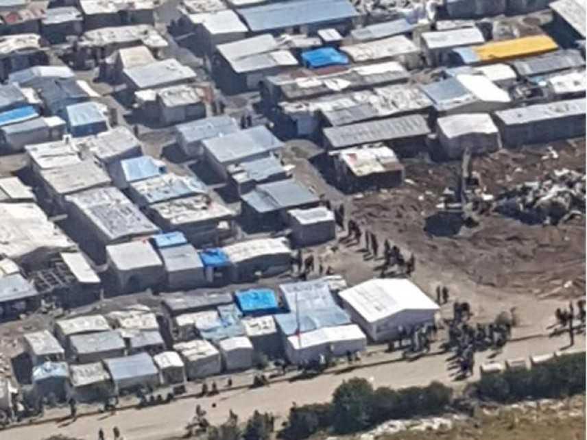 Migranti: baraccopoli abbattuta dopo terza vittima di incendi
