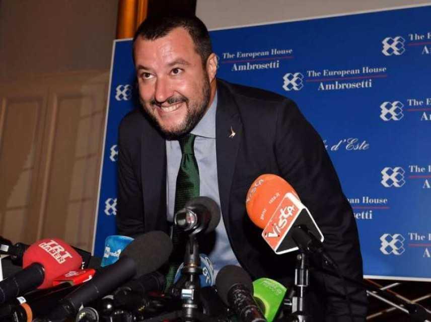 """Matteo Salvini: """"Basta aspettare l'Ue"""""""