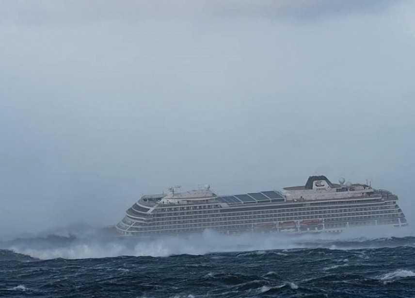 Nave da crociera made in Italy in avaria in Norvegia, 300 persone tratte in salvo