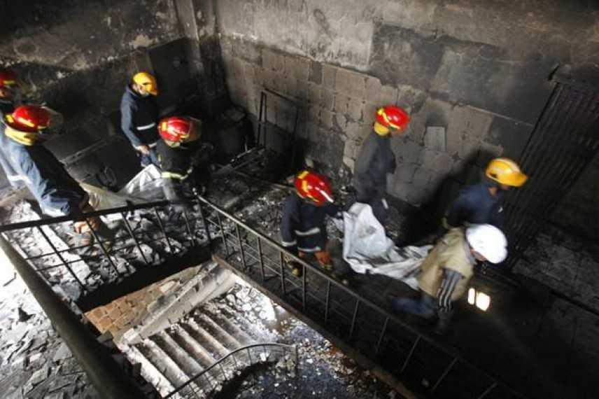 Dacca, edificio in fiamme, 17 vittime