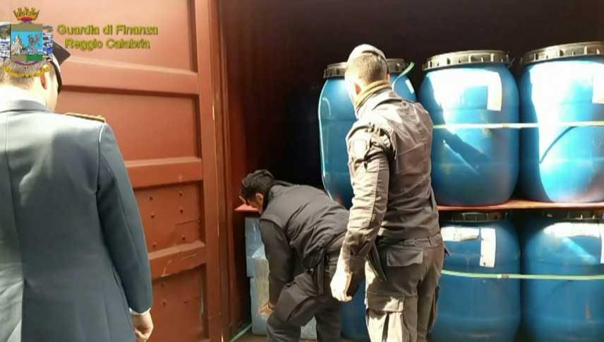 Droga: sequestrati 450 kg cocaina nel porto di Gioia Tauro