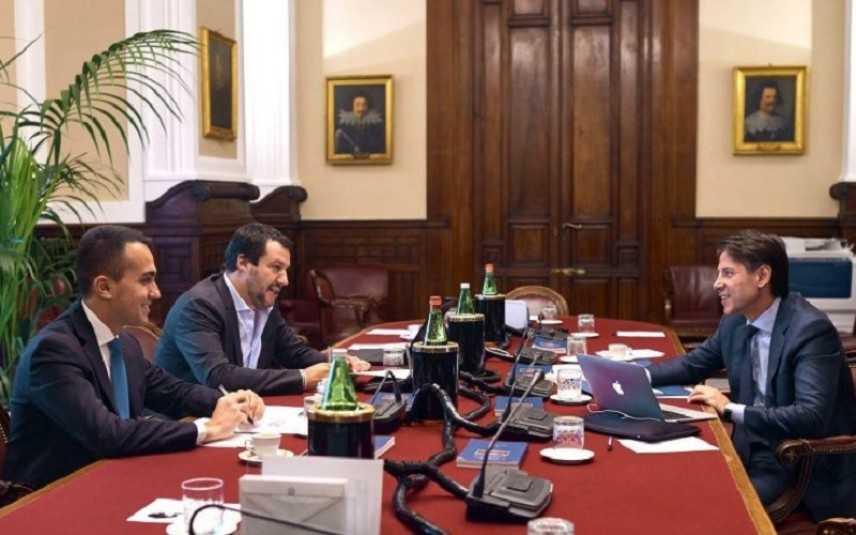 Governo, vertice economico a Palazzo Chigi: pronta nuova spending review per evitare aumento IVA