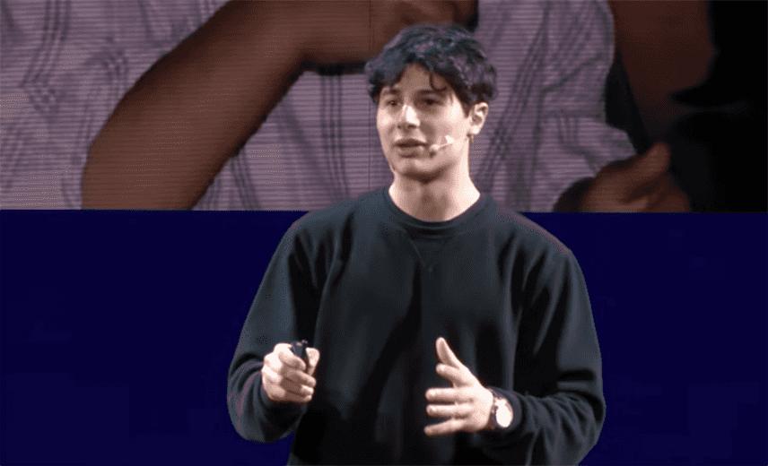 """Riccardo Camarda 16enne, ecco la sua nuova """"Profezia sull'adolescenza"""" - Video"""