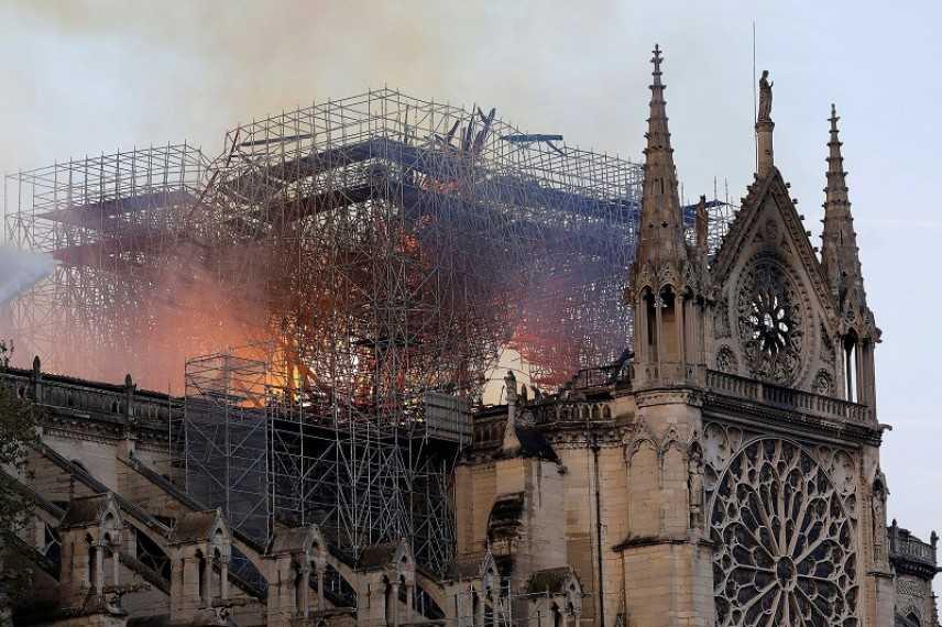 Incendio Notre-Dame: frontoni laterali ancora a rischio crollo