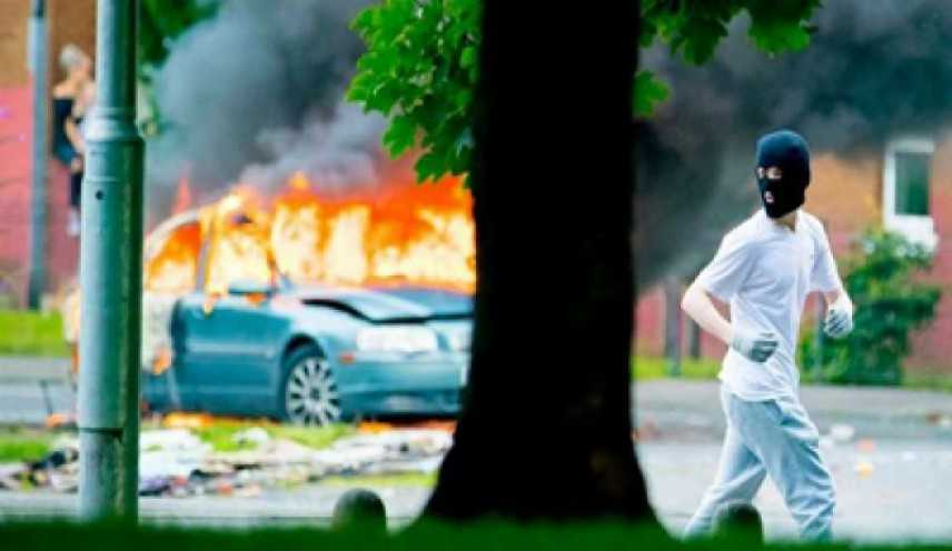 """Scontri in Irlanda del Nord, muore una giornalista """"atto terroristico"""""""