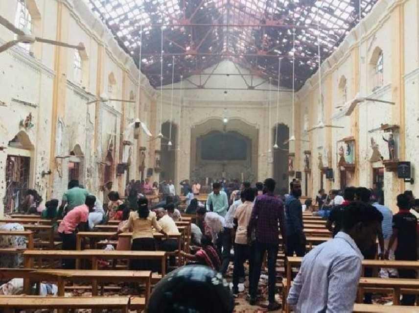 Sri Lanka: Terrorismo a Pasqua, esplosioni simultanei in 3 chiese, tanti morti e feriti