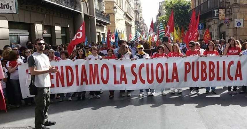 Scuola: sindacati, buon metodo, sciopero sospeso