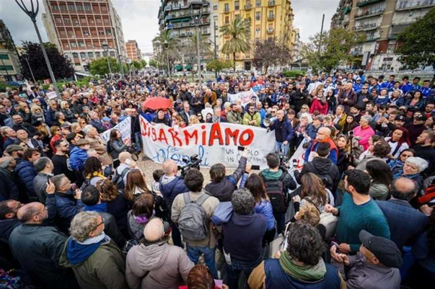 Sparatoria a Napoli: la guerra degli innocenti