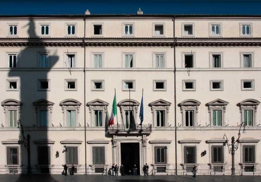Siri: Salvini riunisce ministri Lega. Tutti presenti per M5s