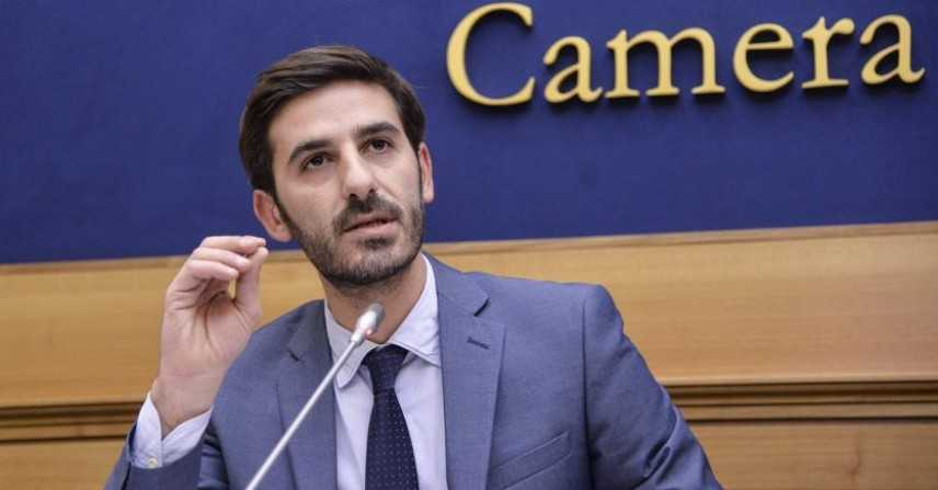 Banche: Alessio Villarosa, firmato decreto, rimborsi celeri. In 20 giorni piattaforma Consap